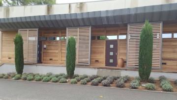 Aérogommage de façades en bois