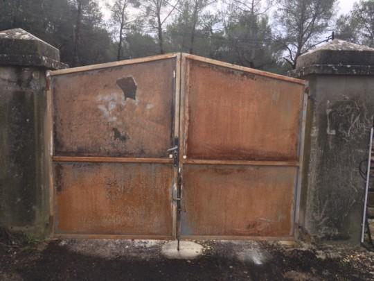 sablage portail en fer