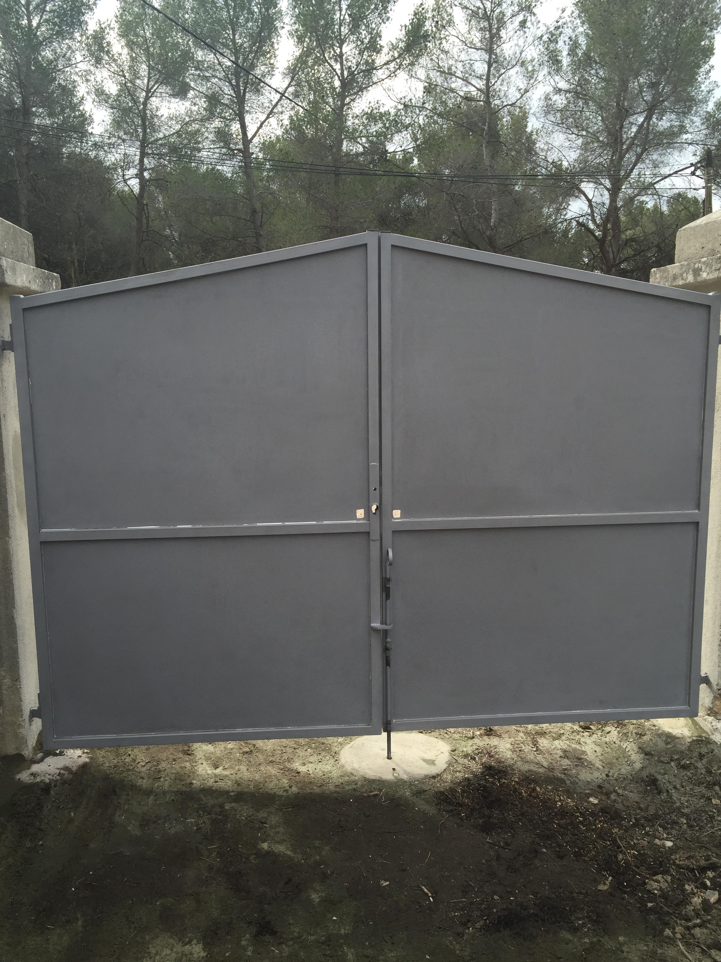 peindre portail fer excellent free peinture portail fer avec comment repeindre un portail en. Black Bedroom Furniture Sets. Home Design Ideas